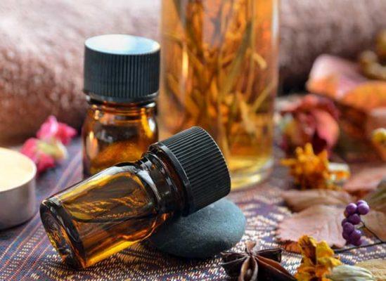 Tinh dầu tự nhiên có nhiều công dụng trong sức khỏe, làm đẹp